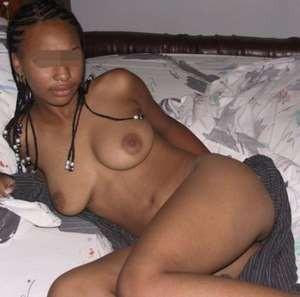 Je cherche un mec pas trop vilain sur Saint-Nazaire pour un rdv sexe